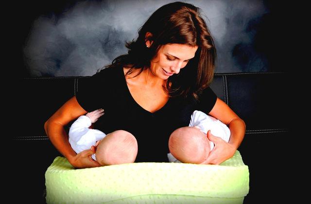 Болит грудь при кормлении и поднялась температура