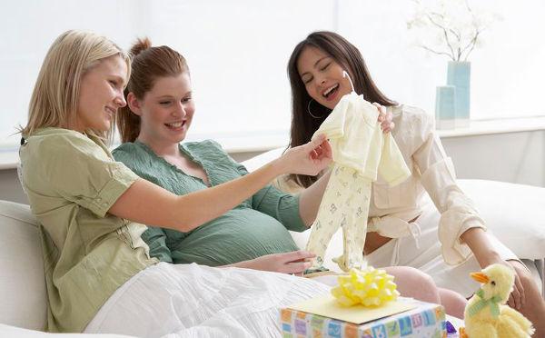Подарок беременной подруге на день рождения