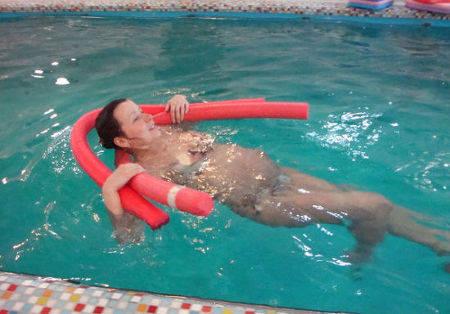 Полезно ли беременным плавать в бассейне