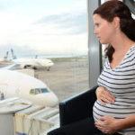 Можно ли беременным летать на самолете на ранних и поздних сроках? Оптимальное время беременности для перелетов: опасность, риски и что взять с собой
