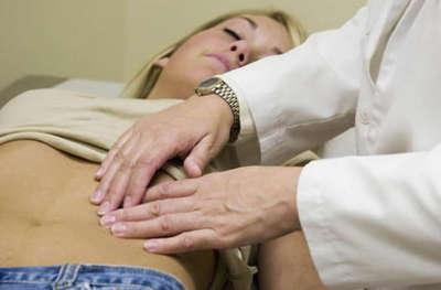 Боли в животе во время овуляции - это нормально