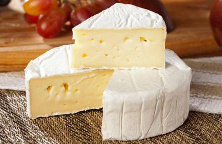 Можно ли беременным сыр с плесенью