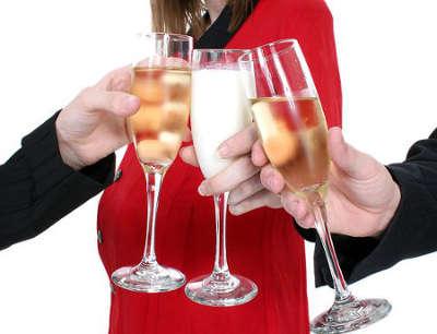 Можно ли беременной выпить шампанского на Новый год или день рожденья