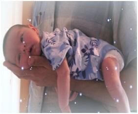 Колики у новорожденного: как помочь малышу